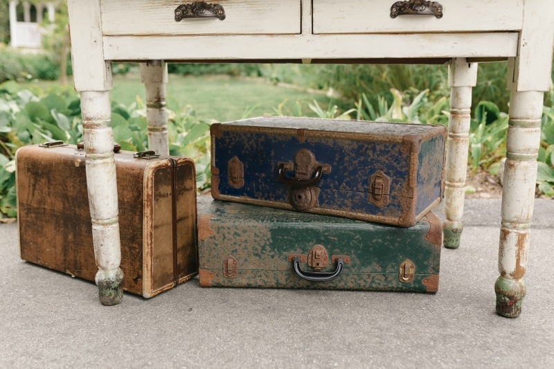 How can you say no to such charming suitcases??? Beautiful wedding at Rancho Soquel. Flowers by Seascape Flowers. Photography by Jana Williams Photography. Coordination by The Wedding Connection. Cake by The Buttery.