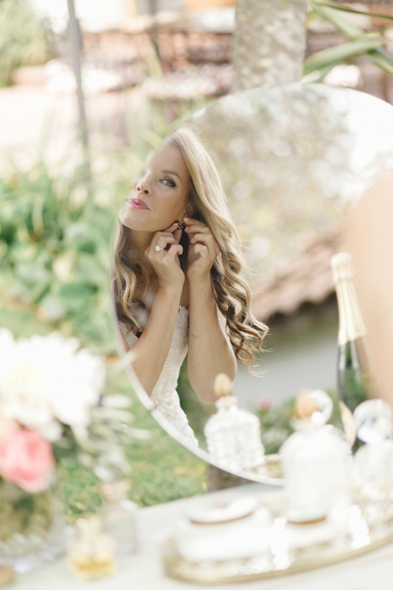 So in love with everything going on in this picture!!! Beautiful wedding at Rancho Soquel. Flowers by Seascape Flowers. Photography by Jana Williams Photography. Coordination by The Wedding Connection. Cake by The Buttery.