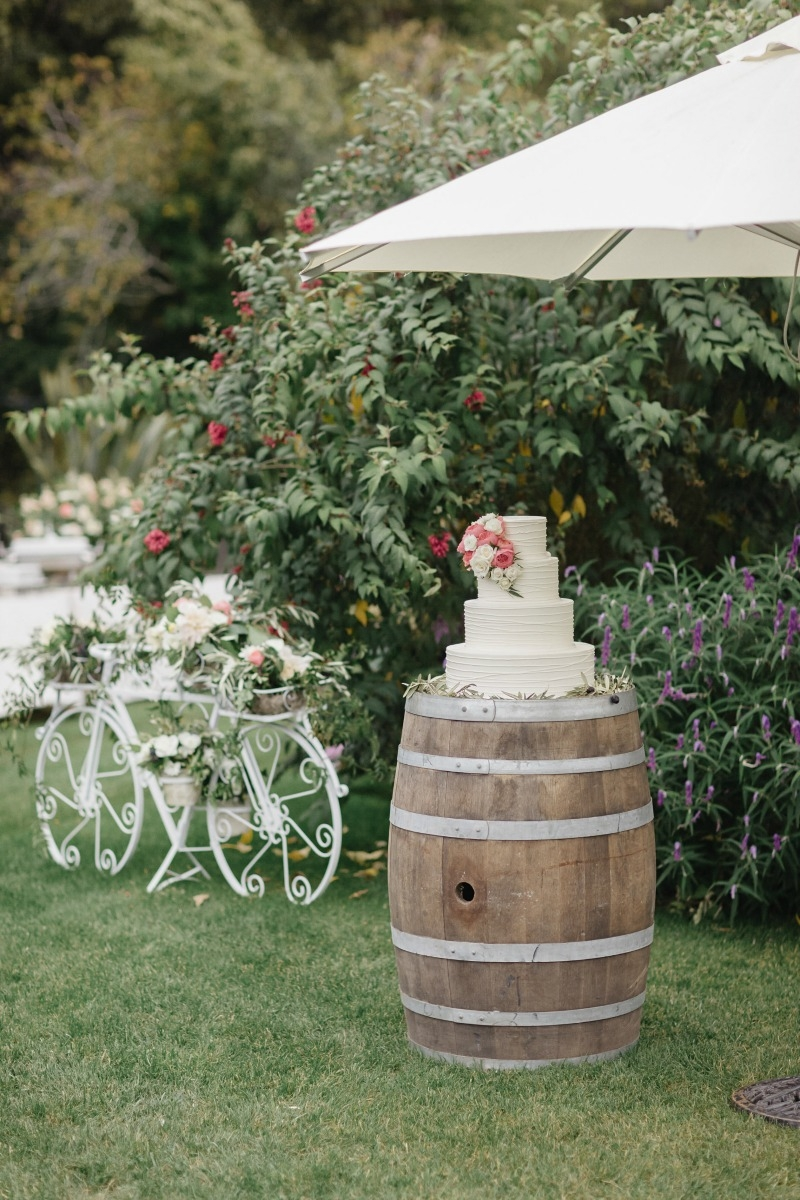 More pretty cake details! Beautiful wedding at Rancho Soquel. Flowers by Seascape Flowers. Photography by Jana Williams Photography. Coordination by The Wedding Connection. Cake by The Buttery.