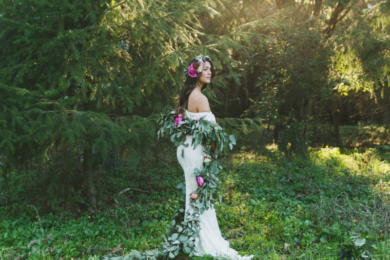 Santa Cruz rose garden inspiration photo shoot. Coordinated by ExQuisite Events Co. Photography by Two Foxes Photography. Flowers by Seascape Flowers. Bridal dress by LOHO Bride.