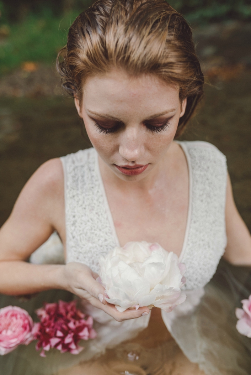 River boudoir inspiration shoot photographed by Molly Gilholm Photography. Styling by E Events Co. MUAH by Kelly Jones Make Up & Hair. Flowers by Seascape Flowers.