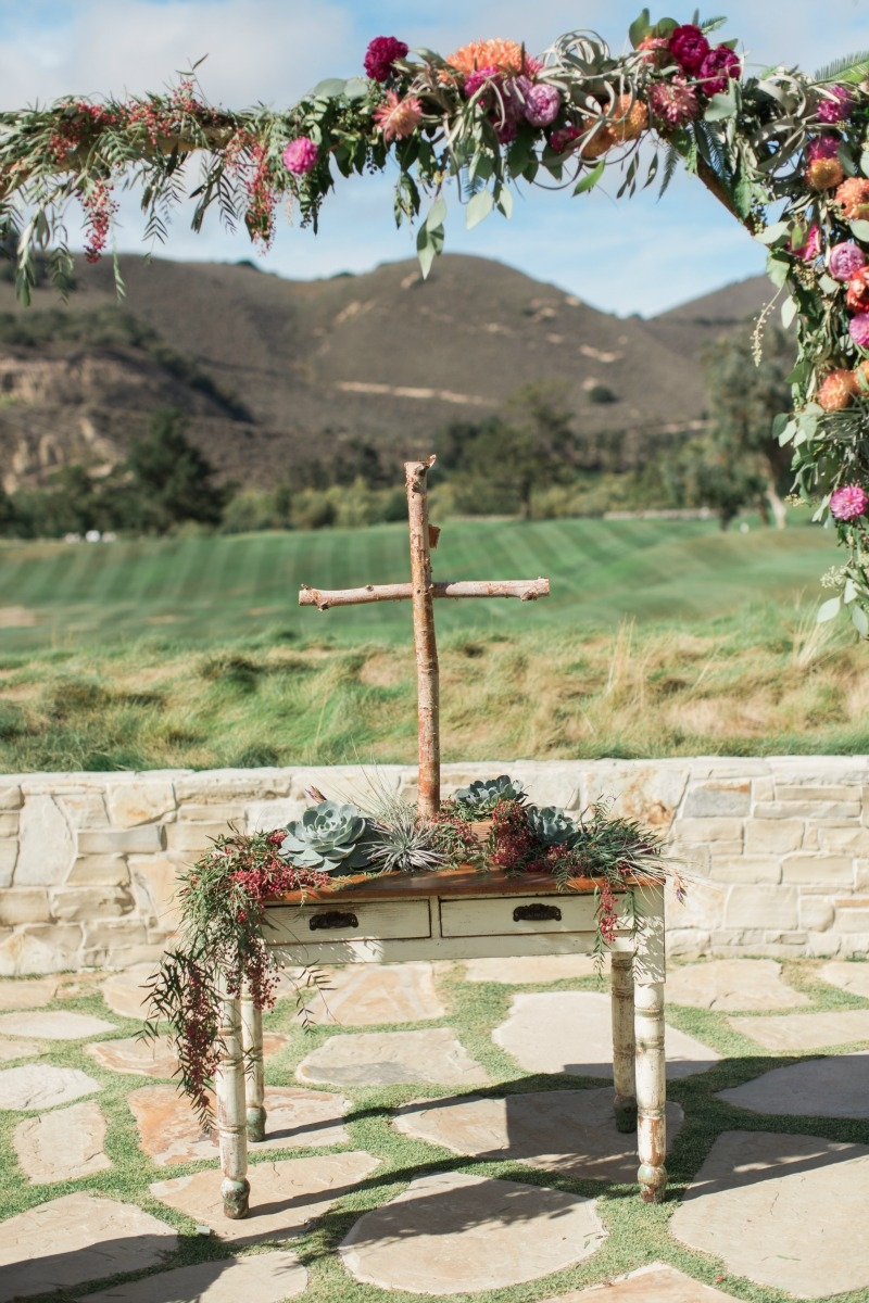 Vibrant watercolor wedding at Carmel Valley Ranch photographed Carlie Statsky Photography. Coordination by Coastside Couture. MUAH by The Hair & Make Up Co. Flowers by Seascape Flowers.