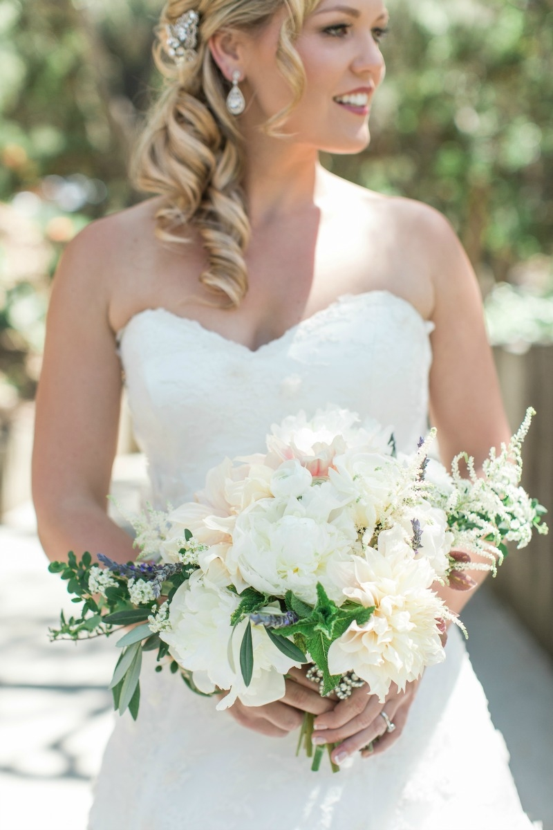 Rustic romantic wedding at carmel valley ranch. Photography by Carlie Statsky. Coordination by Amy Byrd Weddings. Flowers by Seascape Flowers